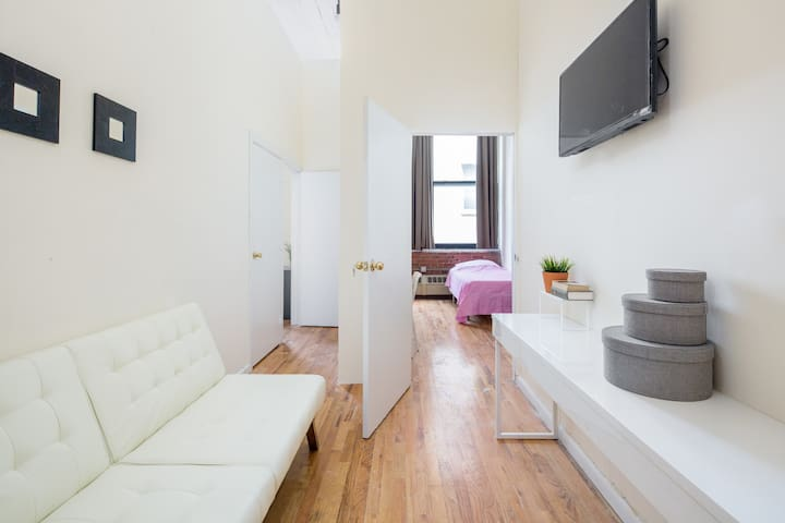 High Ceiling Beautiful Apartment in Safe Area - 紐約 - 公寓