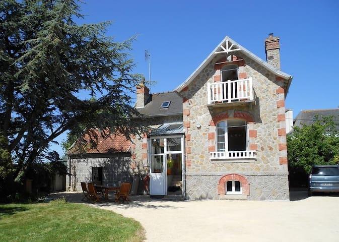 Maison de vacances Ker Maryam - Plounévez-Lochrist - Rumah