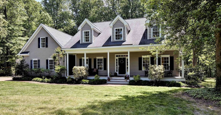 Gorgeous secluded home on private acreage