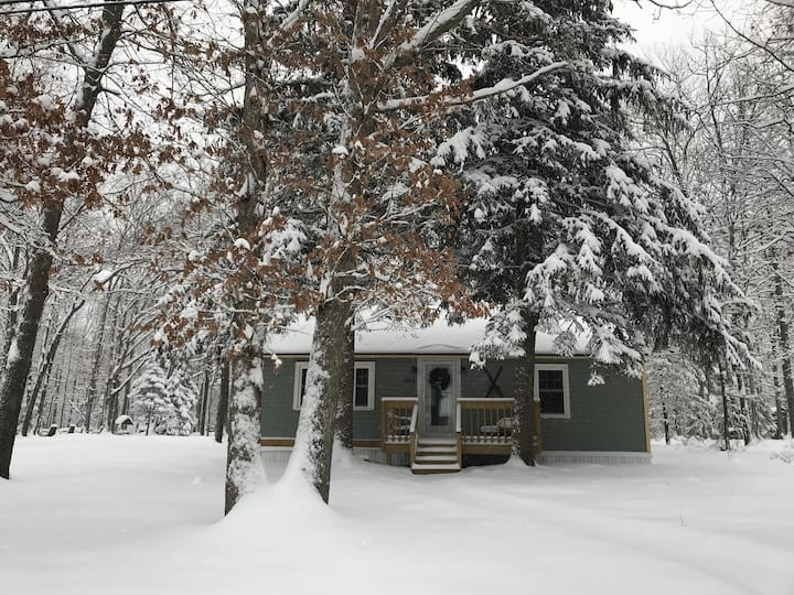 Twin Pines Cottage: A Relaxing Vacation Awaits