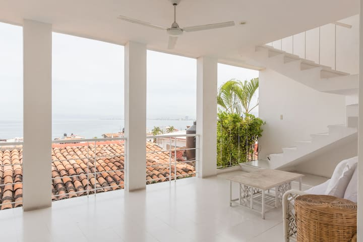 Private Home in Old Town PV, 180 degree ocean view
