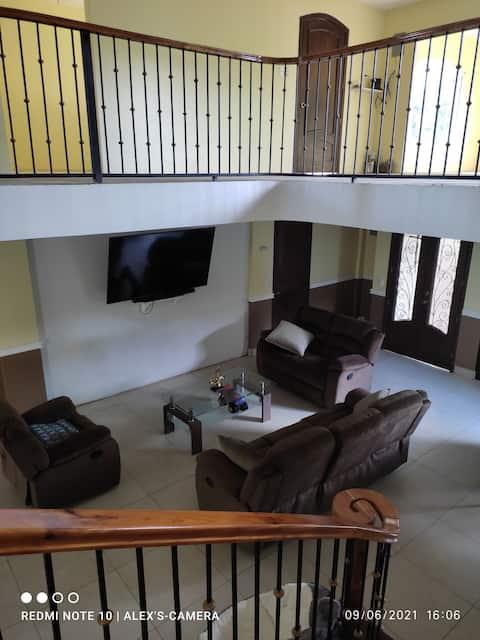 Casona Blanca Guesthouse, Chinandega.