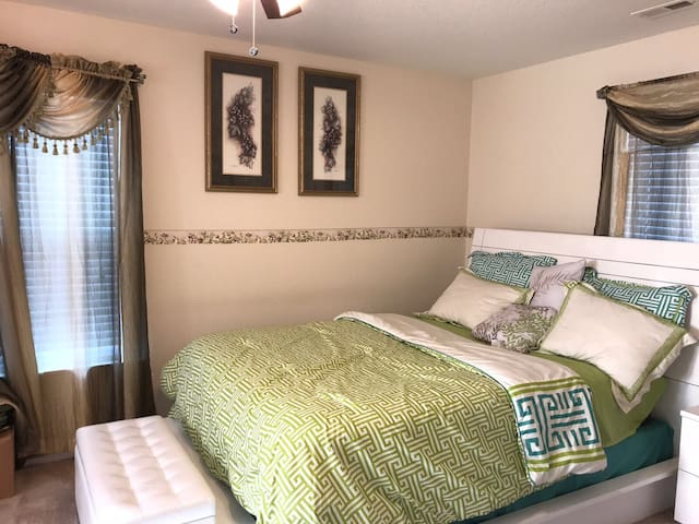 Beautiful & clean  room in Portsmouth