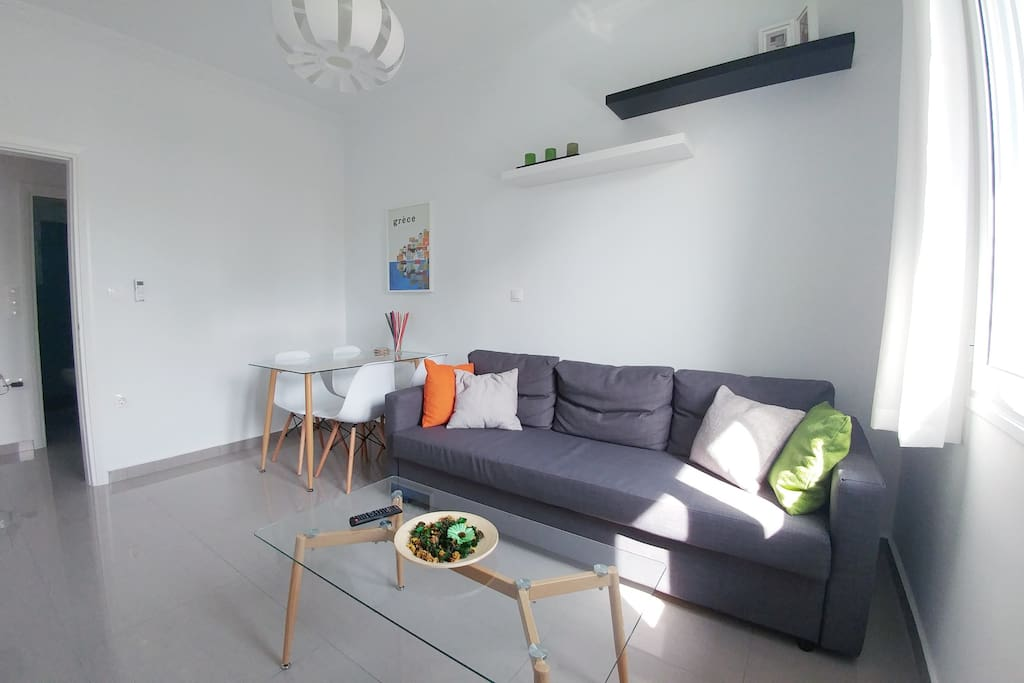 The living room with the double (1,40x2,00m) sofa bed