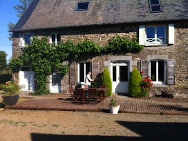 2 studios gîtes restaurés 20 mn Mt St Michel - Gavray - Casa