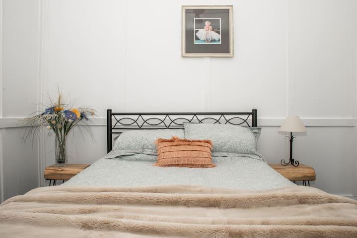 Cosy bedrooms.