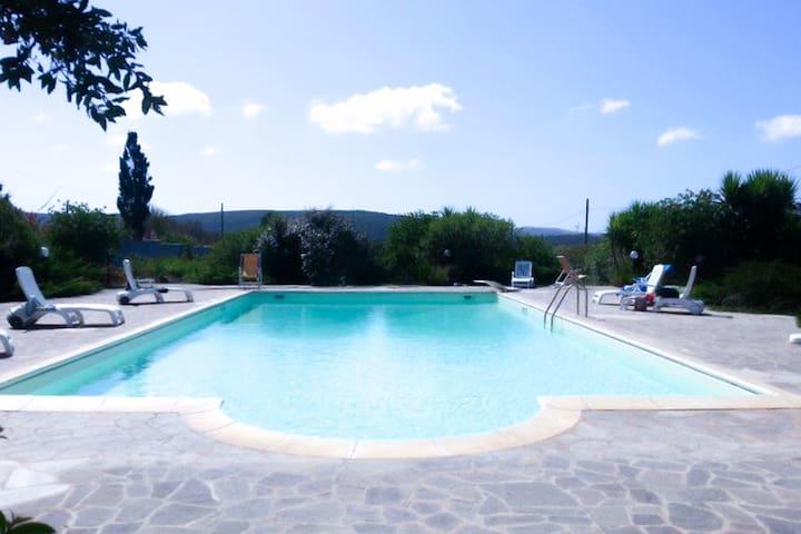 """Villa/Casa Vacanze con piscina """"Il Melograno"""" - Sassari - Villa"""