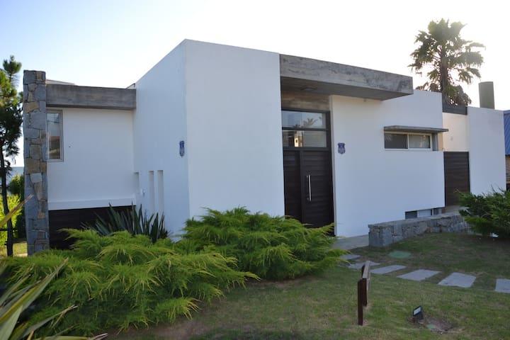 Best Villa in Manantiales(PdelEste)