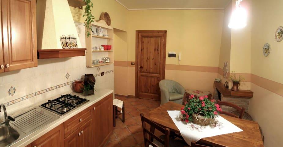 """DELIZIA in """"Le Case della Posta"""" - Santo Stefano di Sessanio"""