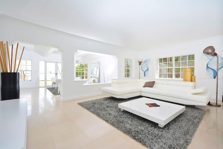 Venitian island Villa #On Ocean - Miami Beach - Huis