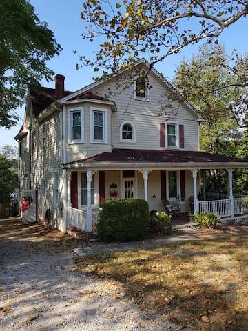 Elkridge House