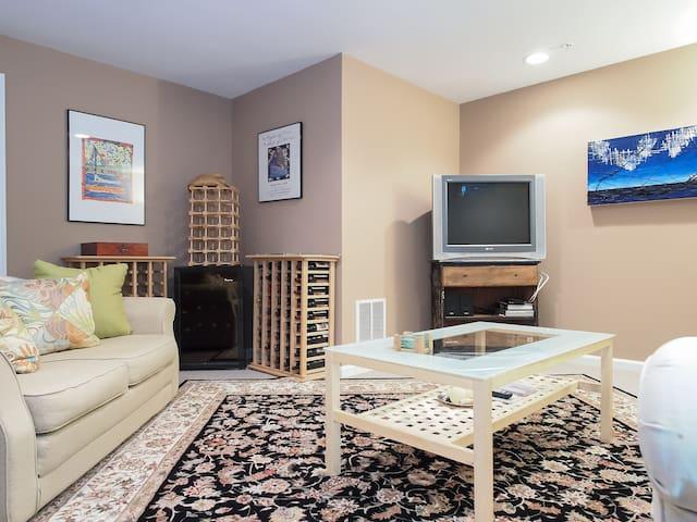Mini Apartment!