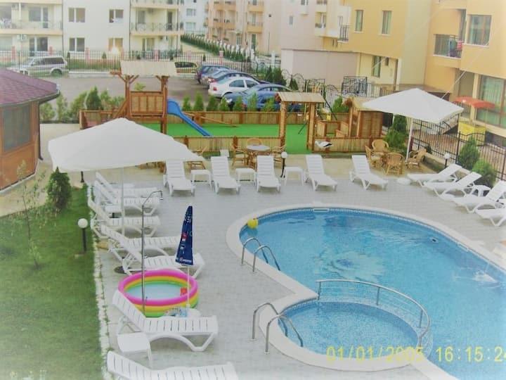 Aparthotel MEGAS