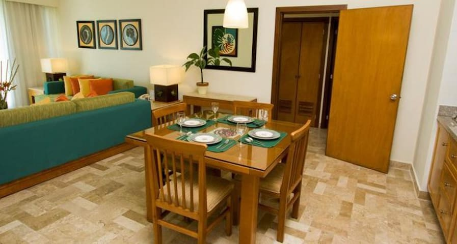 High End Condo with golf package - Mexico City - Byt