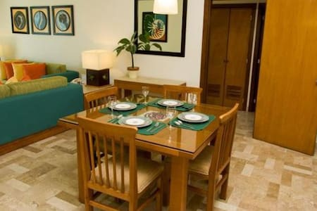 High End Condo with golf package - Mexico City - Daire