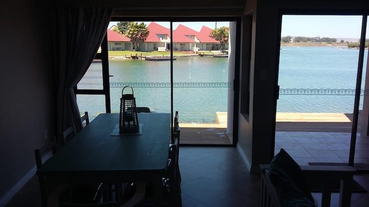 Marina Point 23