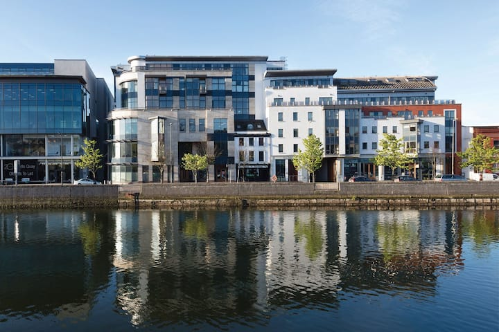 Cork City Centre 2 bed 2 bath apartment