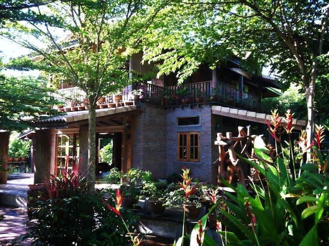 Samorn Villa Buachet, Surin - Buachet - Villa