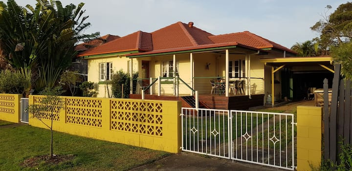 Close to Brisbane City and International airport