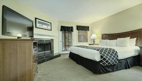 1 Bedroom Suite at Crotched Mountain Resort