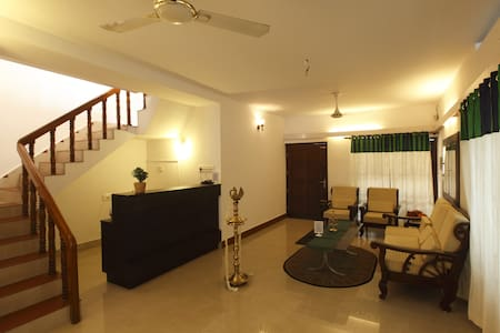 Riviera Residence B&B Deluxe room 1 - Alappuzha - Bed & Breakfast