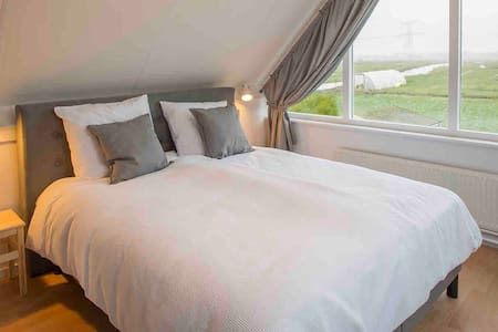 6 pers. B&B, 20 min. from city center of Amsterdam