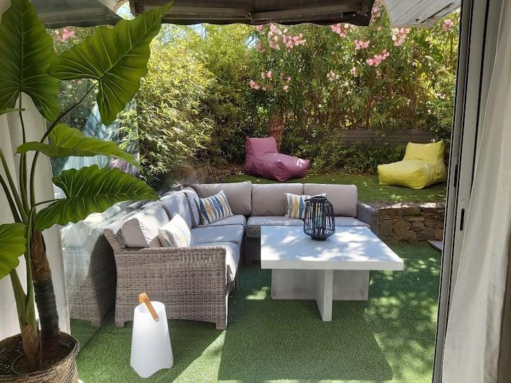 Joli Studio avec Jardin au cœur de St Tropez