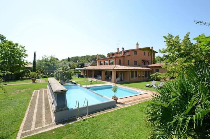 MONTEPIETRAIA 10, Exclusivity Emma Villas - Nepi