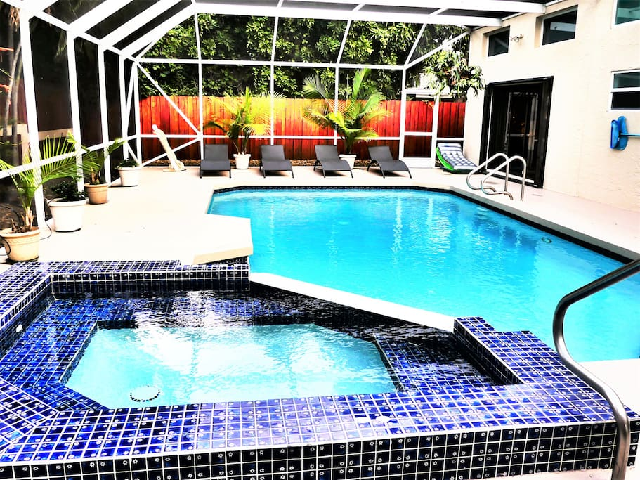 Private Heated Pool & Hot Tub