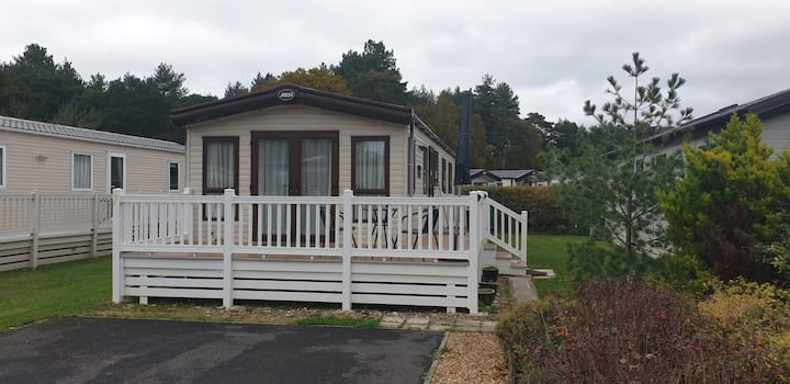 Caravan Sleeps 6 at Oakdene Forest Park