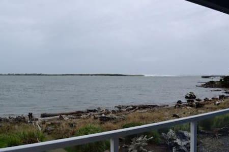 Waters Edge 207