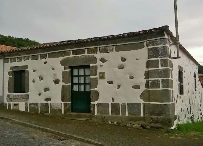 Casa do Zé da Laura - Fajã Grande Lajes das Flores