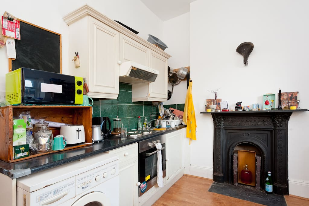 the kitchen, looking west.