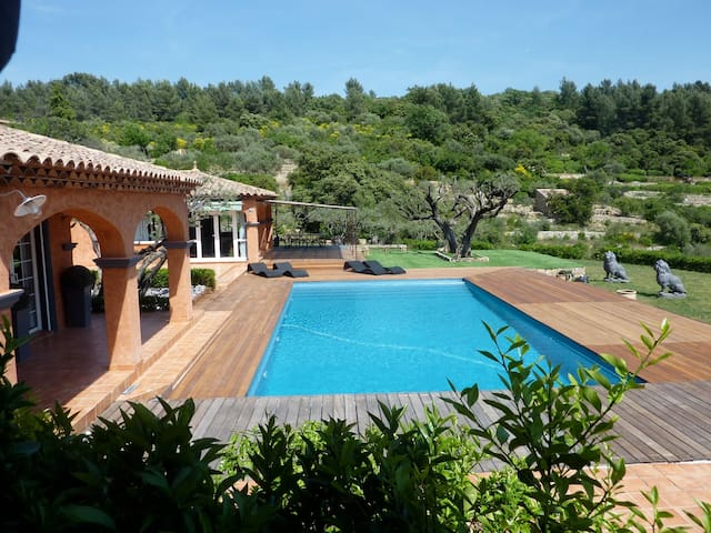 Beautiful very comfortable villa, great sea view - Solliès-Ville - Villa