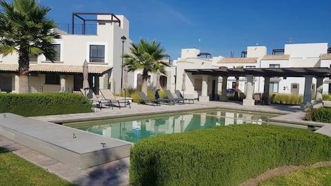 Beautiful 2 BR villa with roofgarden @San Miguel