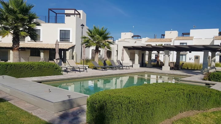 Beautiful 2 BR villa with roofgarden @San Miguel