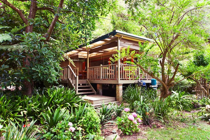 Organic Tropical Hideaway 2 mins to beach - Great Mackerel Beach - House