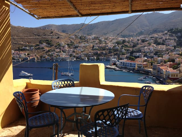 Splendid  House above Symi' s harbour. - Ano Symi