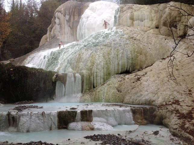 Terme libere in Val D'Orcia - Bagni San Filippo - อพาร์ทเมนท์