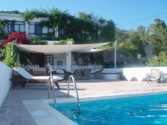 Big 15pax villa pool facing Salines - Ibiza - Huis