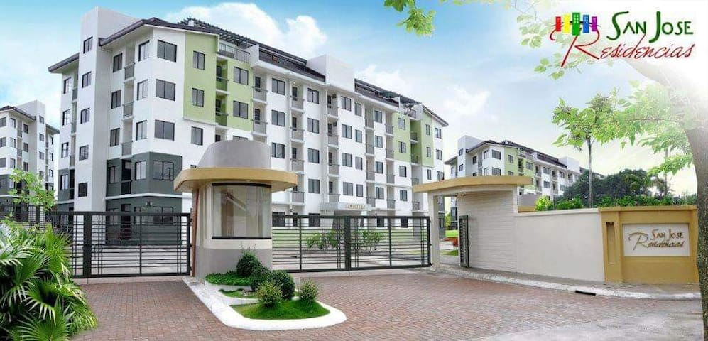 Condo Unit Near Enchanted Kingdom,Sta Rosa Laguna