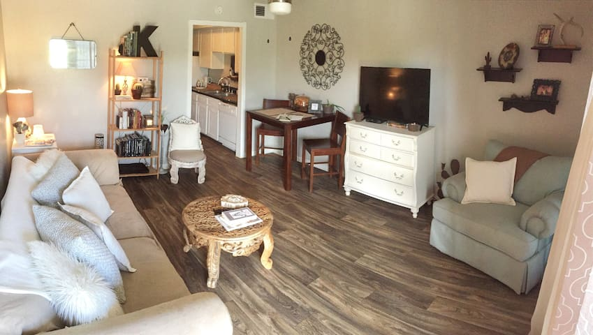 Cozy Apartment, Earthy Vibe - College Station - Apartment