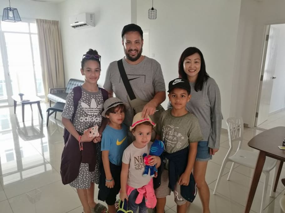 Meeting my happy family from France who stayed for 3 nites thanking them for choosing our Arena Condominium.
