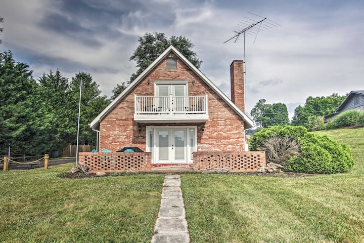 Charming Home w/Private Dock on Claytor Lake!