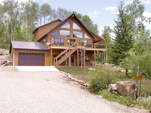 CUSTOM TERRY PEAK CABIN APRIL SPECIAL $189 A Night