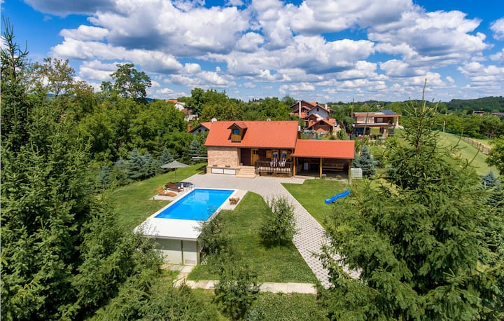 Stunning home in Hrnjanec with Outdoor swimming pool, WiFi and 3 Bedrooms