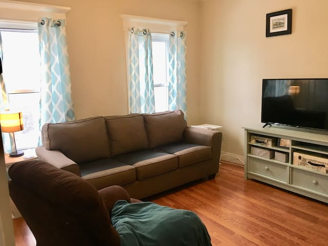 Cozy, one-bedroom apartment close to downtown