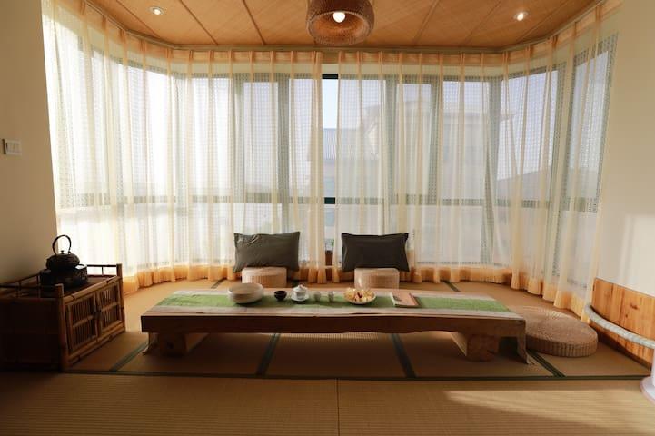 【梦里的小敦煌】敦煌电梯河景日式观景榻榻米房