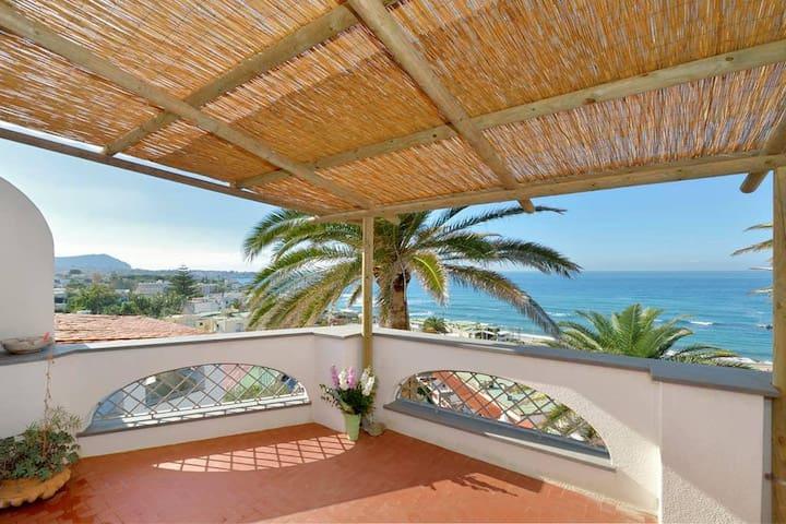 Eremo di Montevergine : Galatea, con terrazza privata ed incantevole vista panoramica