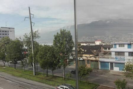 Habitación cómoda en Norte de Quito - Quito - Wohnung